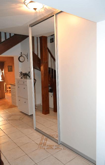 nakup omare z drsnimi vrati